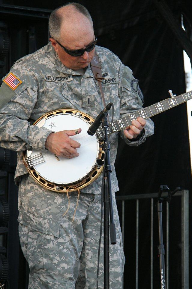 GoSouth_FtLee_Chief-Warrant-Officer-5-Charles-Volherbst,-392nd-Army-Band-commander_bandmaster-Photo-by-Debra-Fulk.jpg