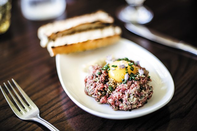 Dining_Review_Laura_Lees_Steak_Tartare_JUSTIN_CHESNEY_rp0717.jpg