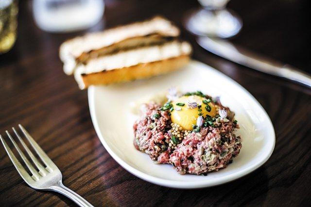 Dining_Review_Laura_Lees_Steak_Tartare_JUSTIN_CHESNEY_rp0717.jpg