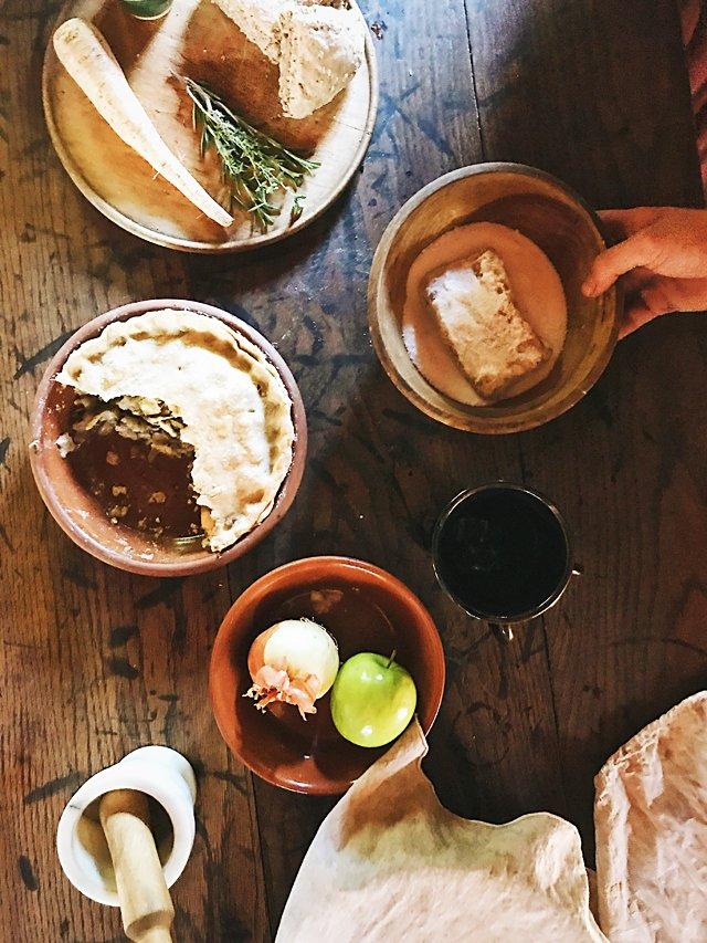 Dining_Shorts_HistoricalFoodTable_STEPHANIE_BREIJO_rp0717.jpg