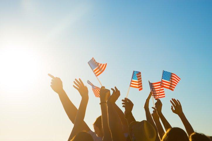 waving-flags_Denisfilm-ThinkstockPhotos-506216772.jpg