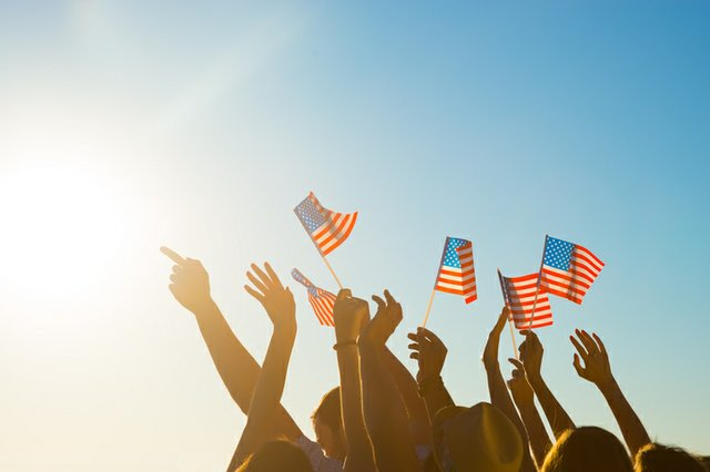 waving-flags_Denisfilm-ThinkstockPhotos-506216772.jpg