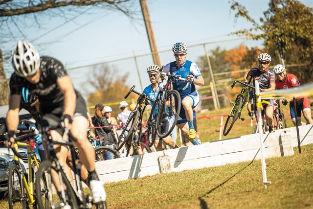 local_cyclocross_JESSE_PETERS_BACKLIGHT_PHOTOGRAPHY_rp1017.jpg