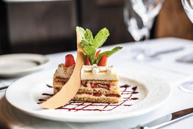 Dining_Review_LaGrotta_StrawberryCake_JUSTINCHESNEY_rp1017.jpg