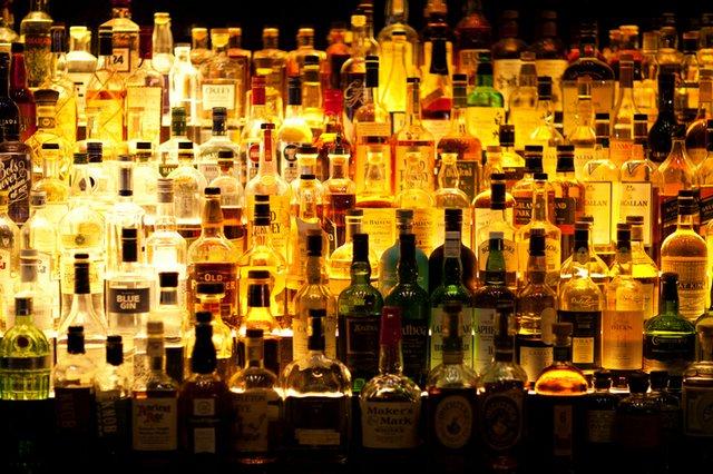 liquor-bottles_ThinkstockPhotos-504575366.jpg
