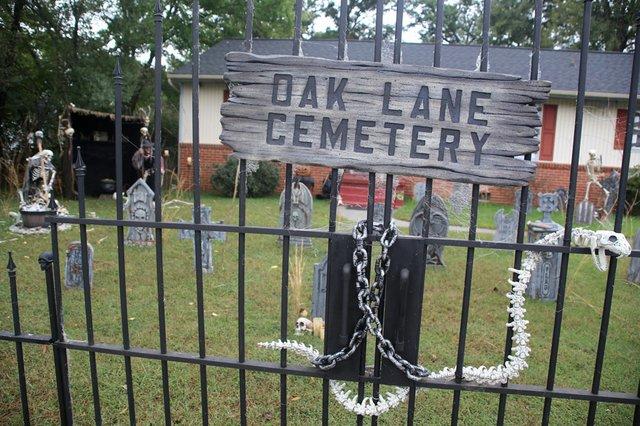 Oak-Ln-Sign.jpg