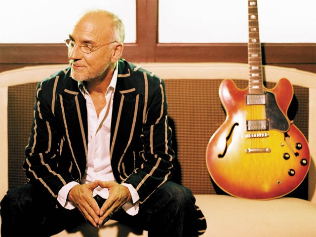 A&E_Profile_LarryCarlton_COURTESY_RCA_ENTERTAINMENT-rp1117-teaser.jpg