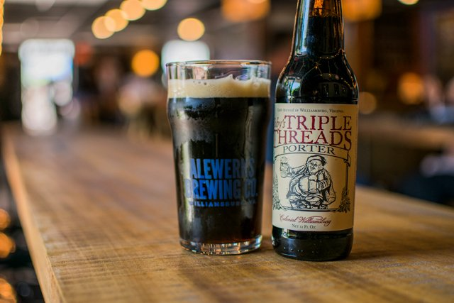Dining_Shorts_BeerSherpa_tobys-triple-threads-porter_COURTESYALEWERKS_rp1017.jpg