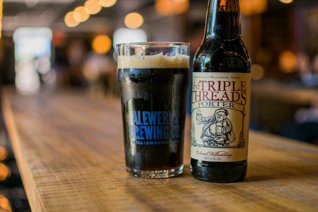 Dining_Shorts_BeerSherpa_tobys-triple-threads-porter_COURTESYALEWERKS_rp1017.jpg