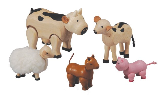 carytown_gift_guide_toys_animal_set_PLAN_TOYS_rp1117.jpg