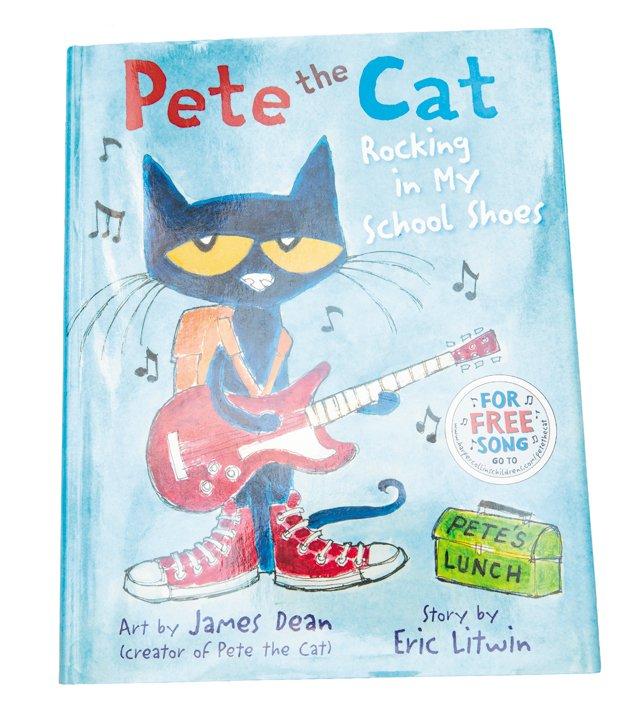 Carytown_gift_guide_toys_Pete_the_Cat_DOMINIC_HERNANDEZ_rp1117.jpg