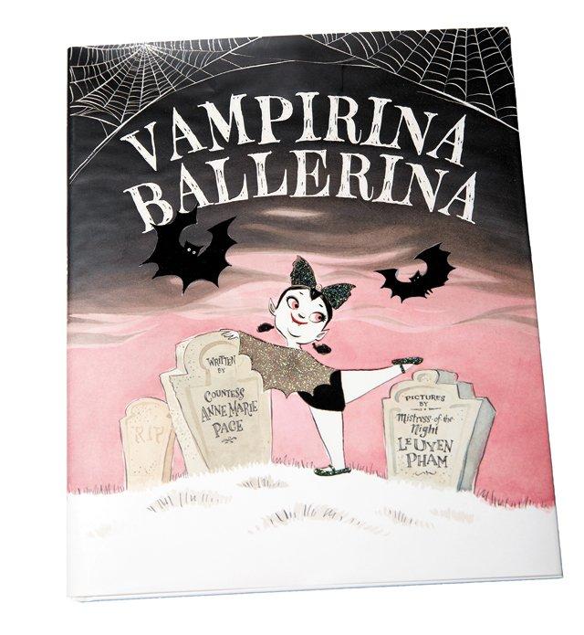 carytown_gift_guide_toys_Vampirina_Ballerina_book_DOMINIC_HERNANDEZ_rp1117.jpg