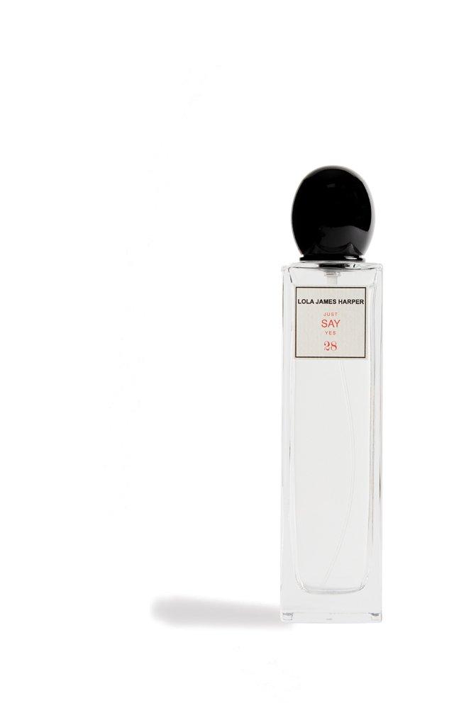 living_style_perfume-bottle_rp1117.jpg