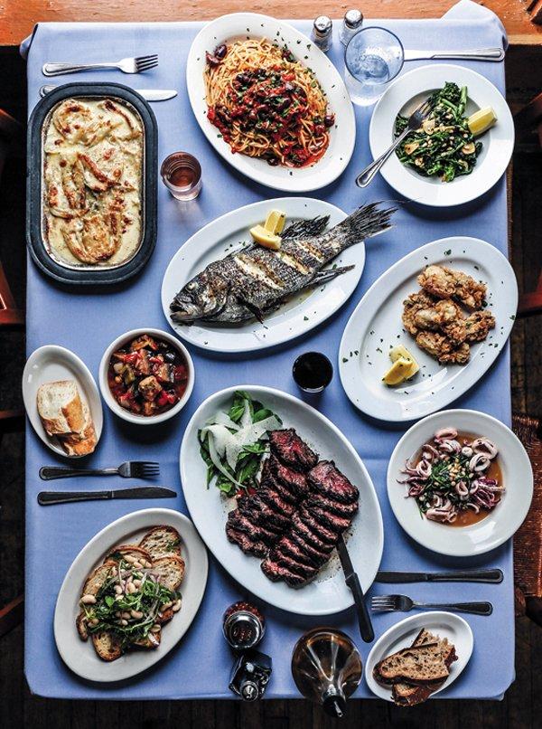 Feature_BestRestaurants_Edo'sSquid_FullTable_JustinChesney_rp1117.jpg