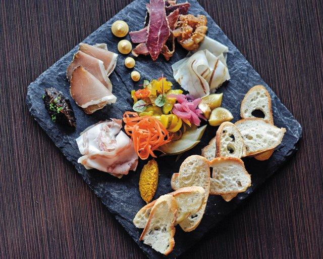 Feature_BestRestaurants_Heritage_HousemadeCharcuterie2_AshDaniel_rp1117.jpg