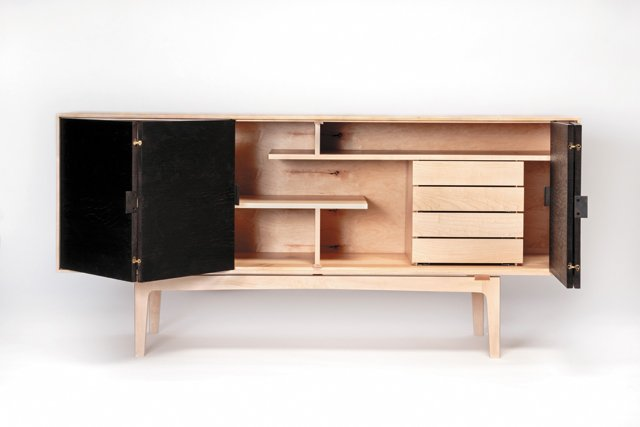Features_Furniture_DanielRickeyConsol_COURTESY_hp0118.jpg