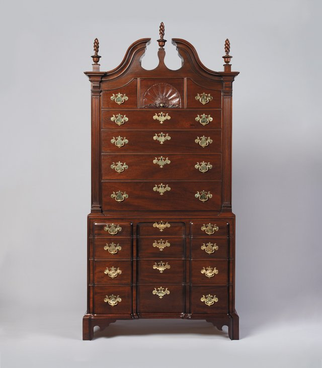 Features_Furniture_HarrisonHigginsChest_DoubleImageStudio_hp0118.jpg