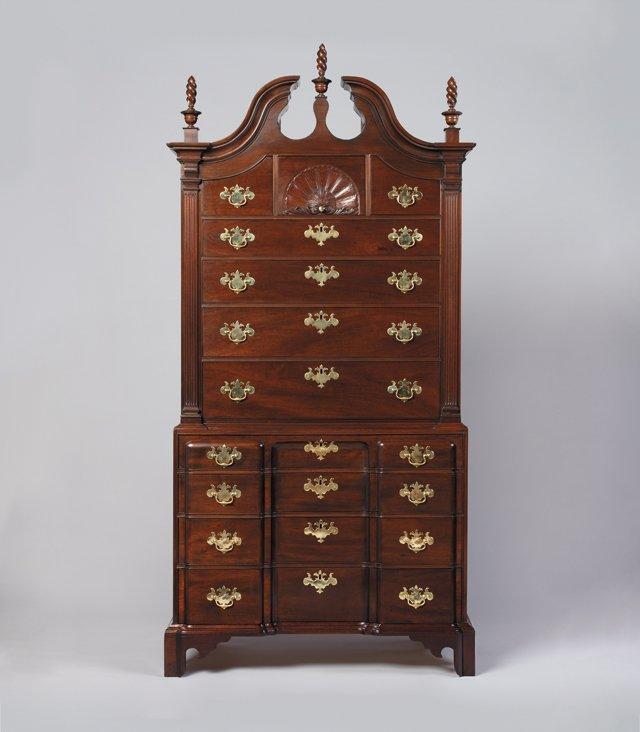 Features_Furniture_HarrisonHigginsChest_DoubleImageStudio_hp0118.jpg