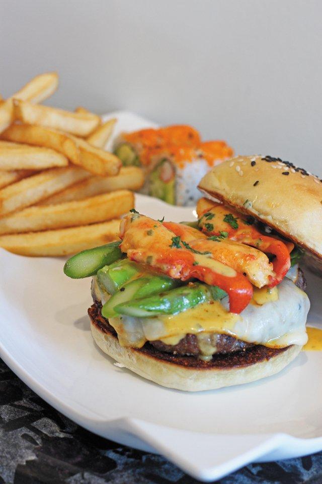 Features_Burgers_RedSaltChophouse_KATIEBROWN_rp0118.jpg