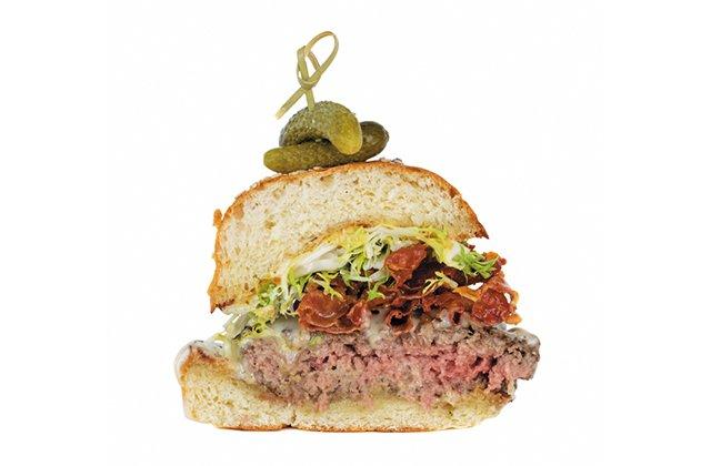 Features_Burgers_FondueBurger2_Brenner-Pass_JV_rp0118_teaser.jpg