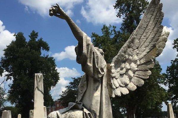 marker-shockoe-hill-cemetery_alyson-taylor-white_teaser.jpg