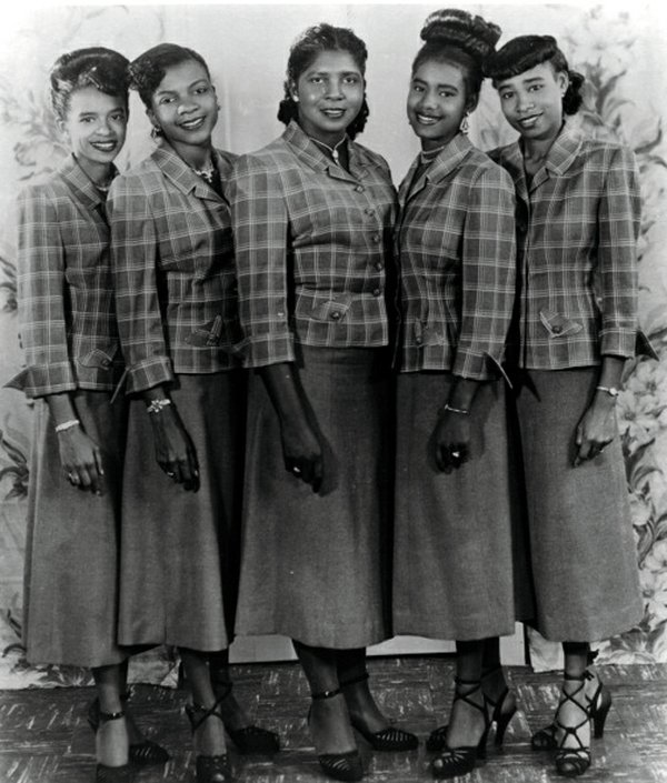 feature_SisterRosettaTharpe_TheRosettes_GETTY_MICHAEL_OCHS_ARCHIVES_rp0418.jpg
