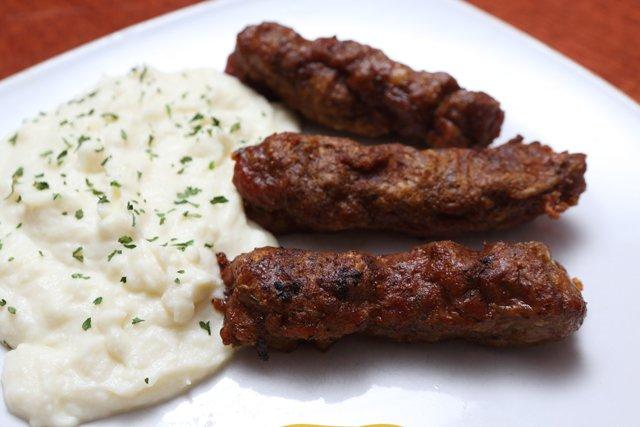 Dining_Shorts_EuropeanTaste_JAYPAUL_rp0418.jpg