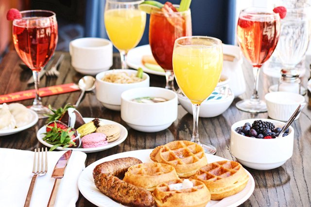 brunch_ThinkstockPhotos-847466102.jpg
