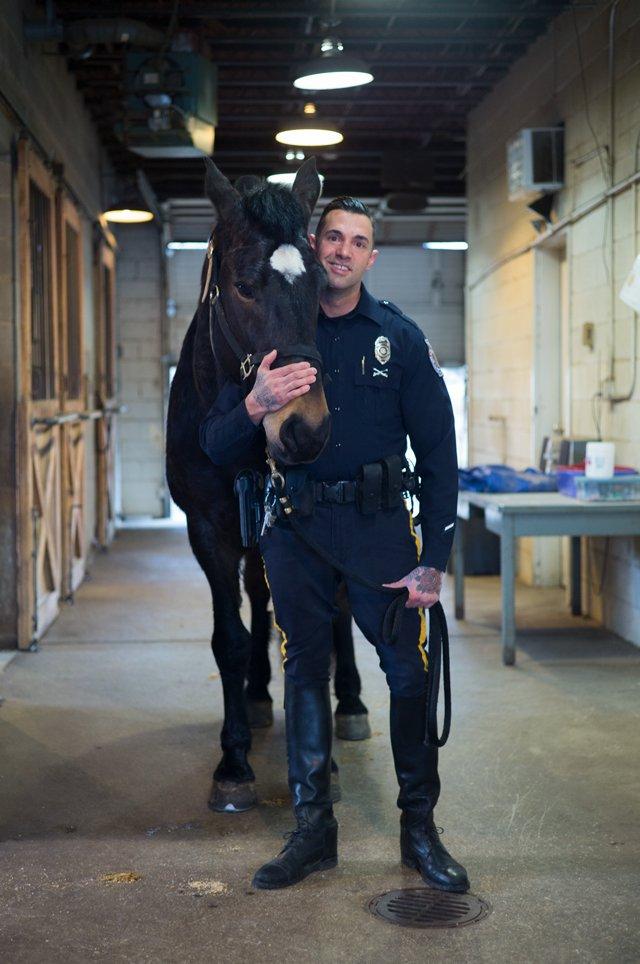 local_police_horses_officer_gene_carter_L1008759_ADAM_DUBRUELER_rp0418.jpg