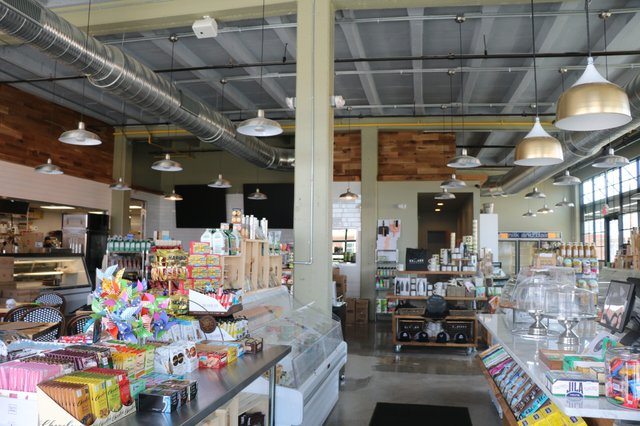 Entrance of Stella's Grocery.jpg