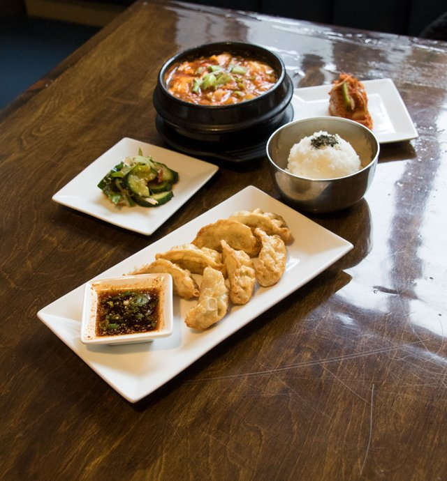 Dining_Shorts_5Faves_KTownKitchen_ALI_JONES_rp0518.jpg