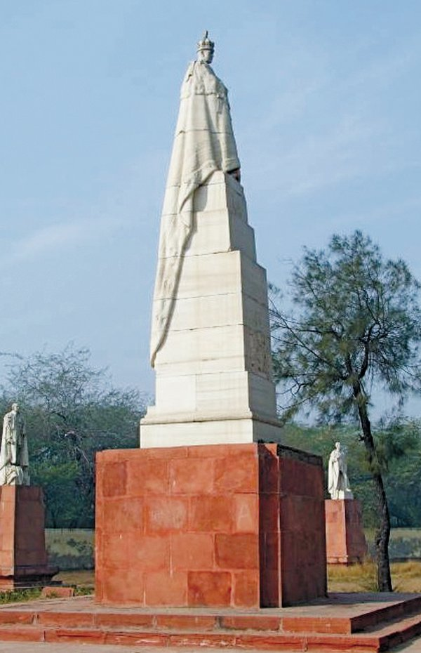 feature_monuments_king_george_v_coronation_park_new_delhi_VICTORIANWEB_ORGrp0518.jpg