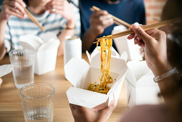 chinese-takeout_ThinkstockPhotos-923627416.jpg