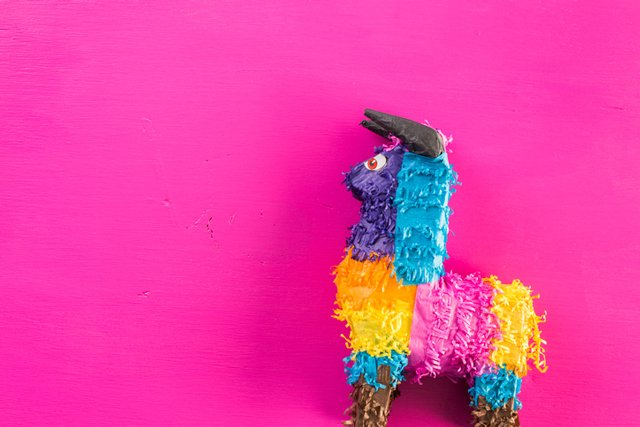 pinata_ThinkstockPhotos-642976962.jpg