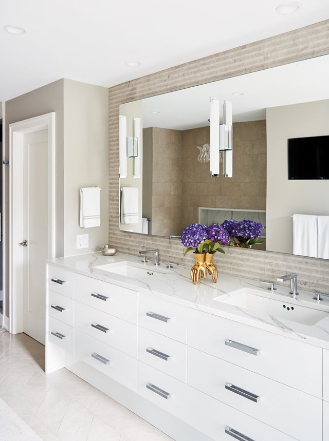 feature_riverside_05_MasterBath_142-copy_ALEXIS_COURTNEY_hp0518.jpg
