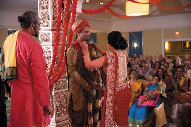 feature_cultures_hindu_ceremony_AMANDA_MEYER_PHOTOGRAPHY_bp0618.jpg