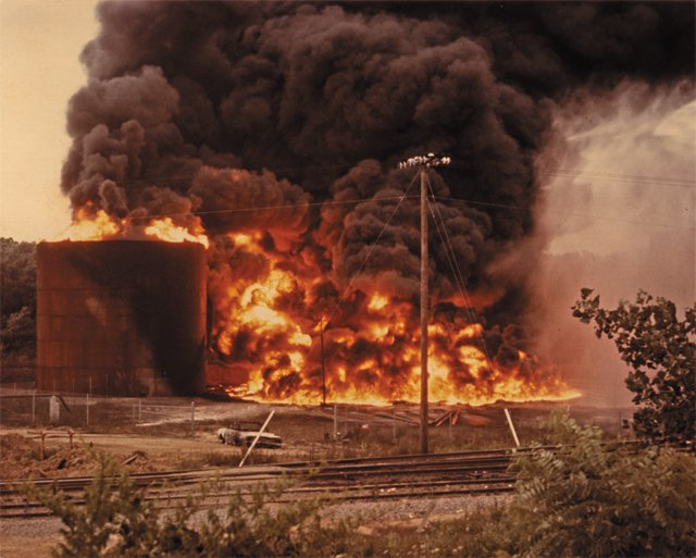 local_flashback_Little_Oil_fire_V_79_50_39_FINNEGAN_PHOTOGRAPH_COLLECTION_THE_VALENTINE_rp0618.jpg