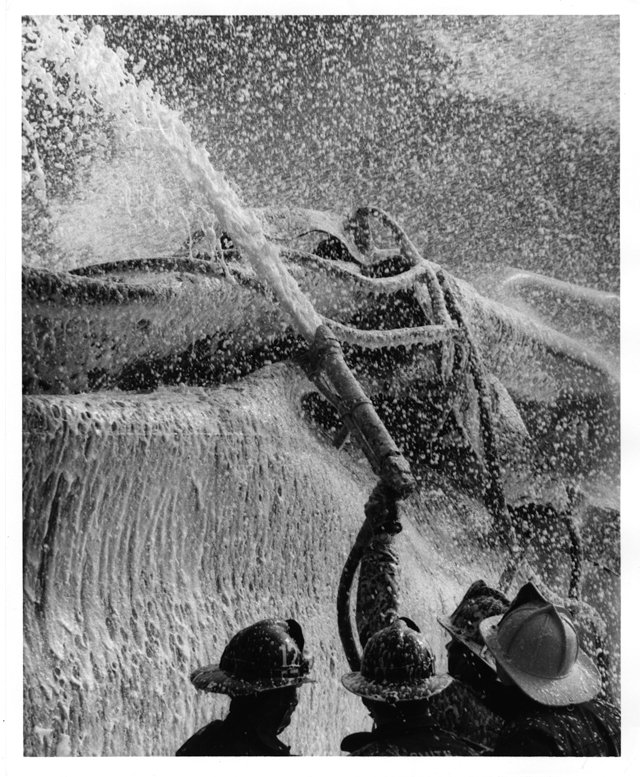 local_flashback_Little_Oil_fire_V_79_50_26_FINNEGAN_PHOTOGRAPH_COLLECTION_THE_VALENTINE_rp0618.jpg