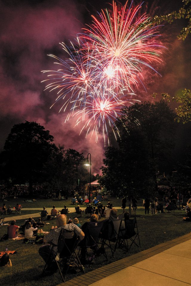 living_travel_Gettysburg_Fireworks_provided_rp0618.jpg