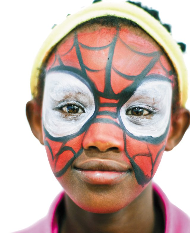 Feature_Refugees_SpiderGirl_WHITEBECK_rp0718.jpg