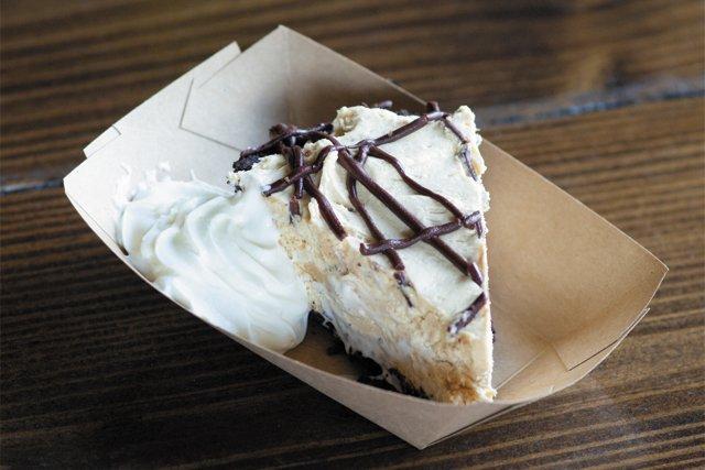 bbq_dessert_peanut_butter_pie_Deep_Run_Roadhouse-7_ADAM_DUBRUELER_rp0718.jpg