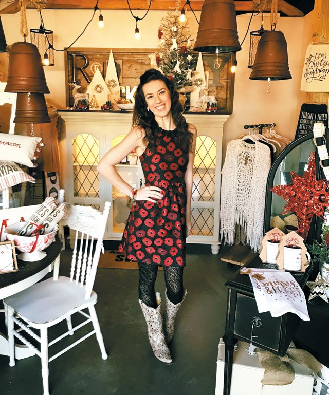 living_shoptalk_ChelseaHooperRedPoppyPickin'_provided_rp0818.jpg