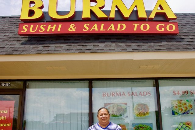 burma-sushi-salad_eileen-mellon_teaser.jpg