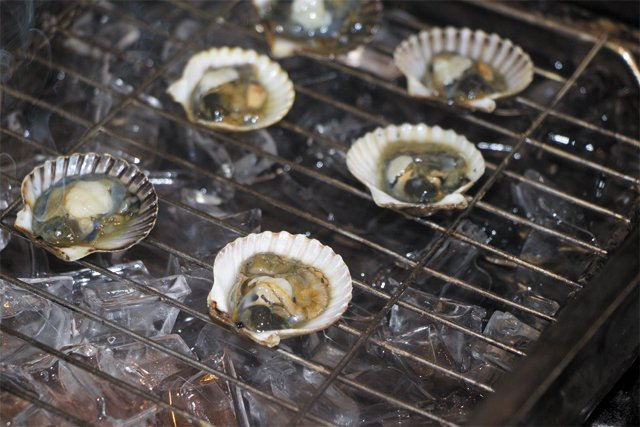 feature_scallops_cold-smoked_IMG_4051_EILEEN_MELLON_rp0818.jpg