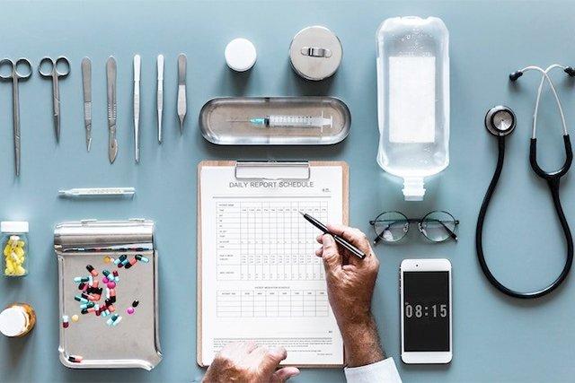 medical-chart-toppers_rawpixel-unsplash_teaser.jpg