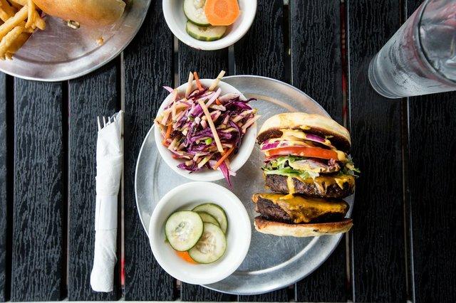 Kreggers_Burgers.jpg