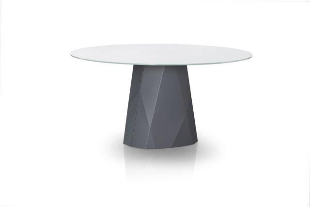 departments_thegoods_Diamond-60inch-Round-Dining-table_hp0918.jpg