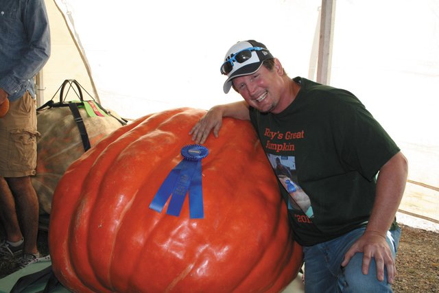 local_shorts_pumpkins_rickyatkins_COURTESYVIRGINIAFARMBUREAU_rp1018.jpg