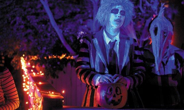 A&E_Datebook_HalloweenParade_JAYPAUL_rp1018.jpg