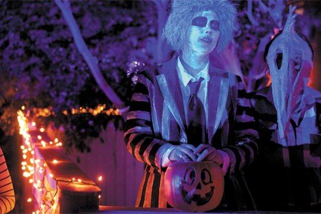 A&E_Datebook_HalloweenParade_JAYPAUL_rp1018_teaser.jpg